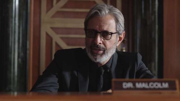 631061-jeff-goldblum-jurassic-world